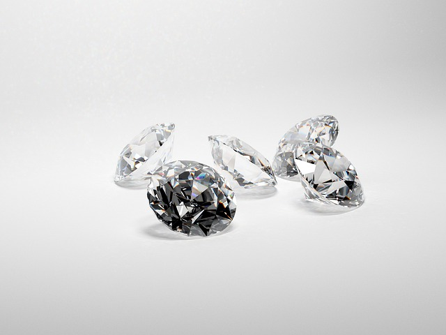פלורסנטיות של יהלומים